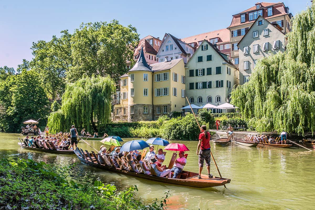 Stocherkahnfahrt auf dem Neckar