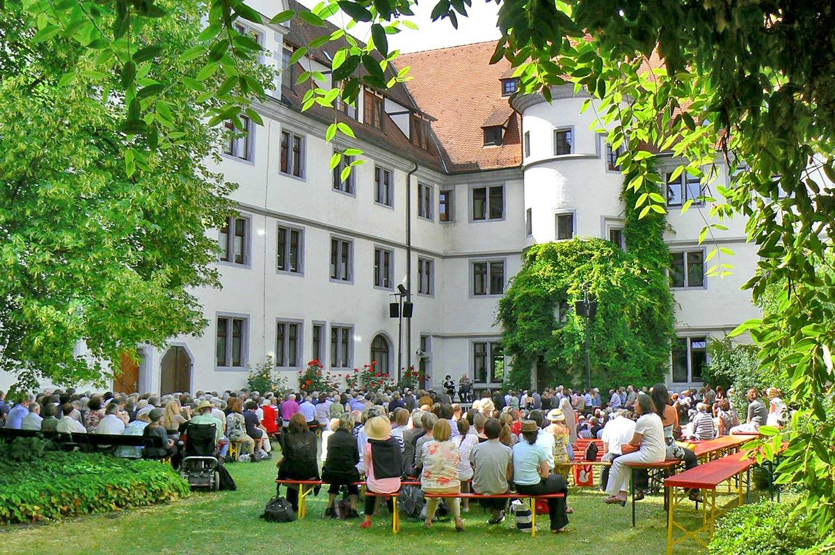Bücherfest in Tübingen Wilhelmsstift