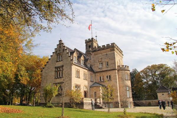 Kleine Burgen - Große Villen