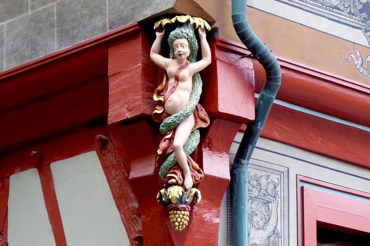 Bacchantin am Rathaus Tübingen