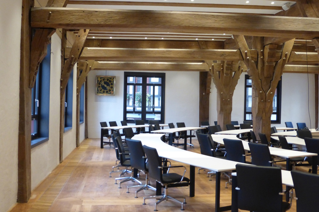 Sitzungssaal im Tübinger Rathaus